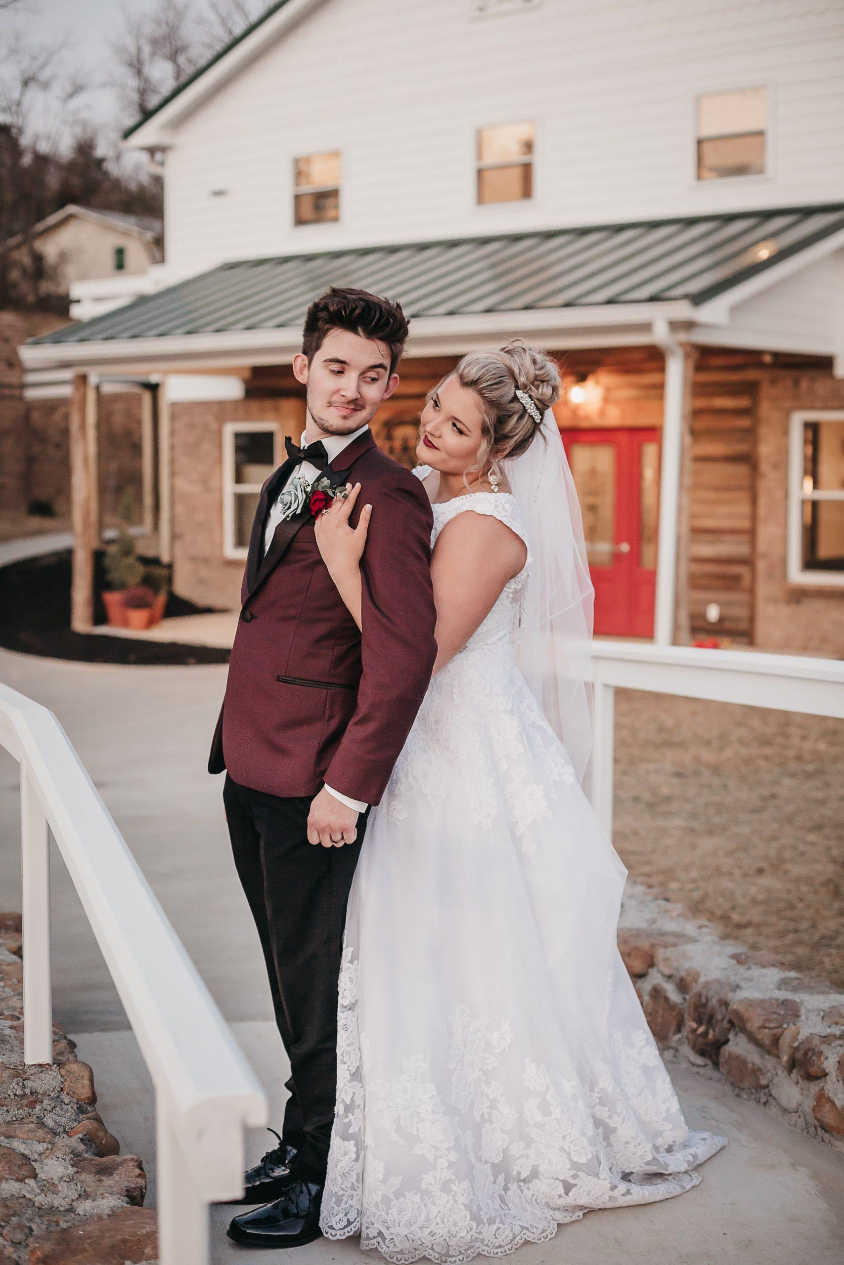 Tennessee Wedding. White Barn Wedding