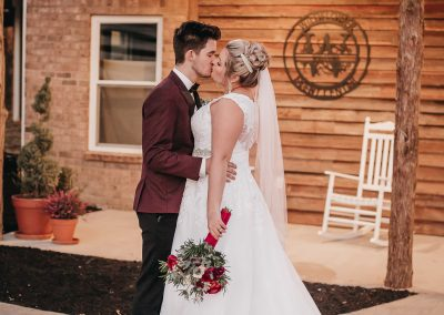 Tennessee Wedding. White Barn Wedding
