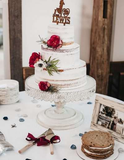 Beautiful cake. Tennessee weddings